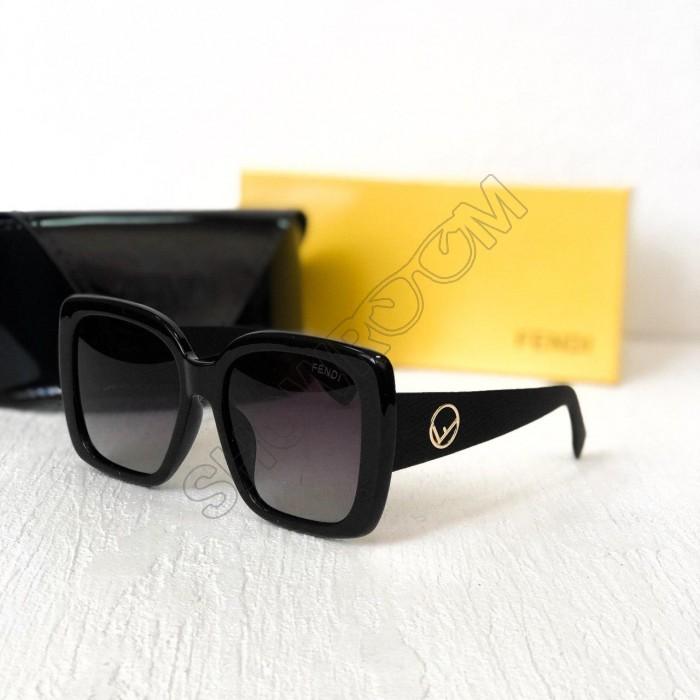 Женские солнцезащитные очки с поляризацией Fendi (2019)