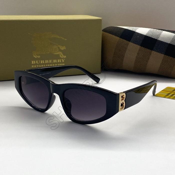 Женские брендовые солнцезащитные очки (2421)