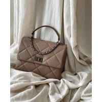 Женская итальянская сумка Laura Biaggi (278) beige кожаная