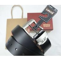 Мужской кожаный ремень Levis (3004) black подарочная упаковка
