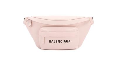Женские сумки на пояс и на грудь