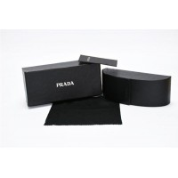 Брендовый чехол для женских солнцезащитных очков Prada