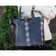 Женская стильная сумка под рептилию Laura Biaggi (54-09) черная